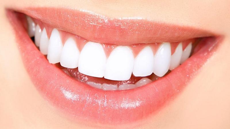 beli zobje